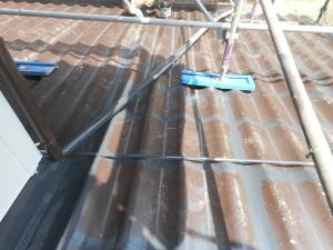 屋根 上塗り刷毛入れ全体