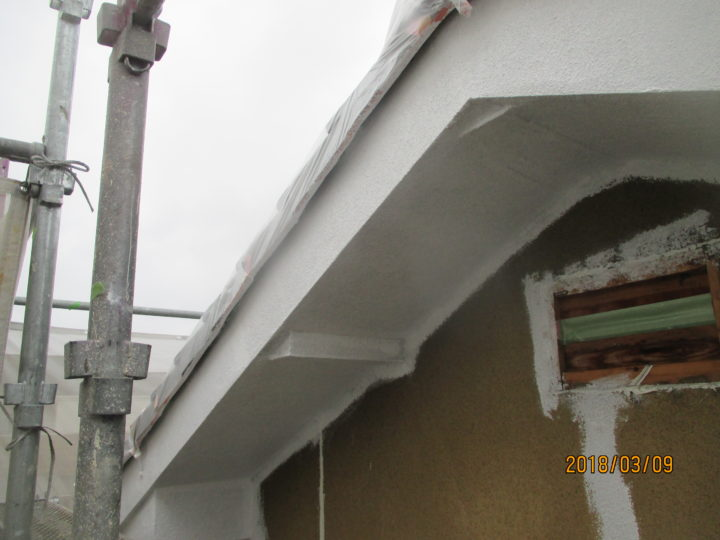 外壁・軒天下塗り2回目
