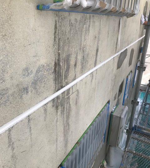 旧塗膜撤去後の補修の様子
