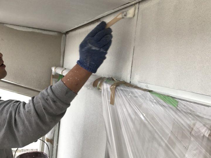 外壁 キワの塗装の様子