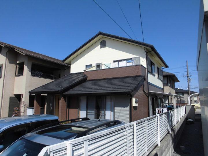 サイディングのフッ素塗装と玄関ドアリフォーム工事|滋賀県東近江市 E様邸
