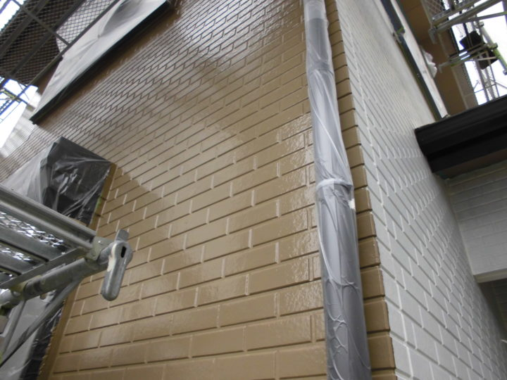 外壁 下塗りと上塗り1回目の差