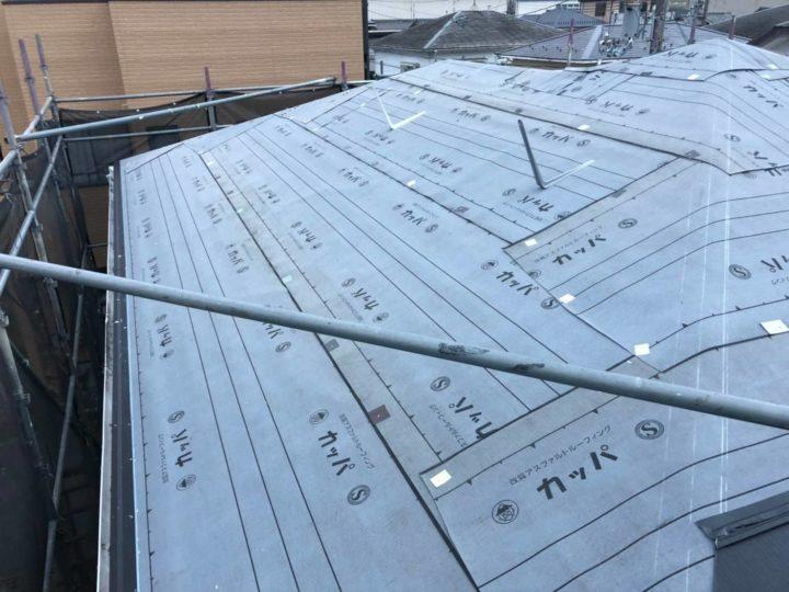 屋根カバー工法 防湿シート張り