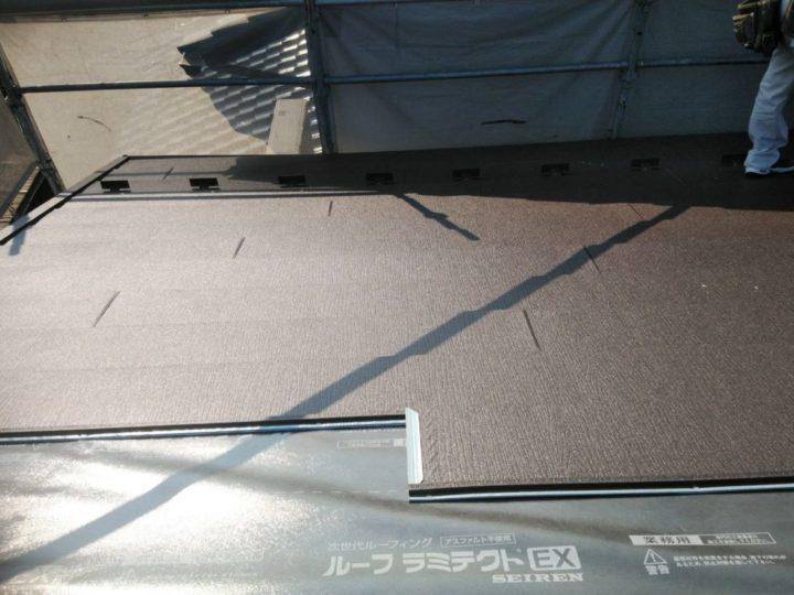 屋根材を取り付ける